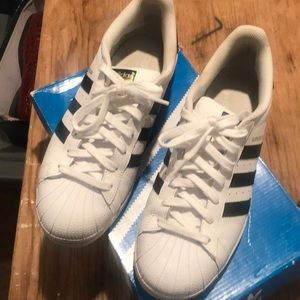 Men's Shell-toe Adidas size 8.5, in like new